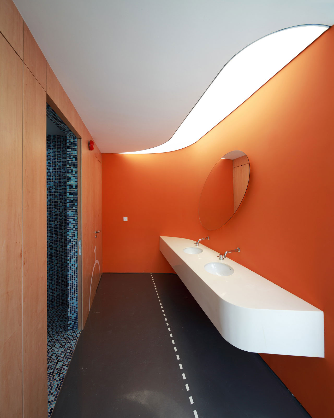 interior-1st floor-rest room