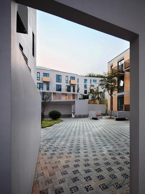 5-inner courtyard 1