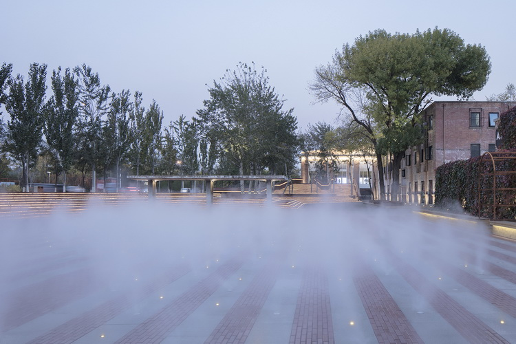 08-改造后为喷雾广场