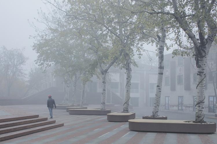 34-雾中的广场