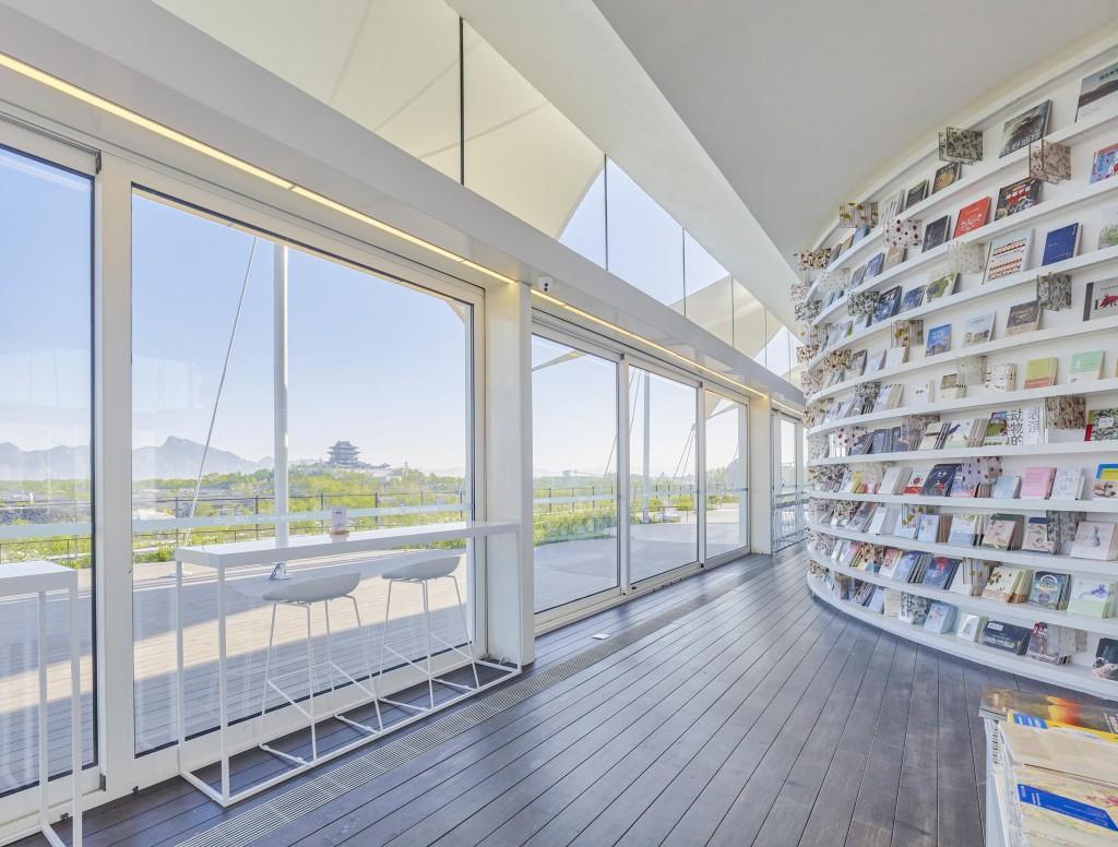 屋顶书店及平台